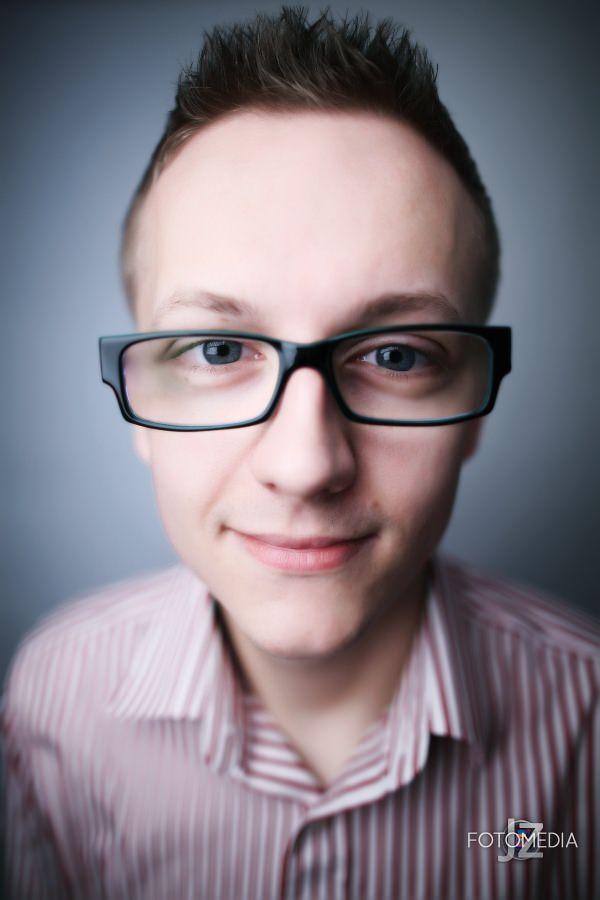 Grzegorz - portret studyjny 8