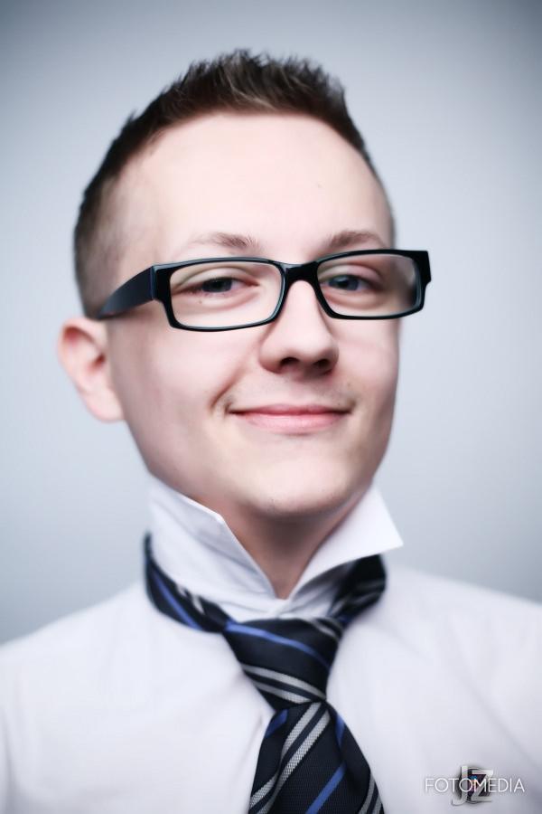 Grzegorz - portret studyjny 11