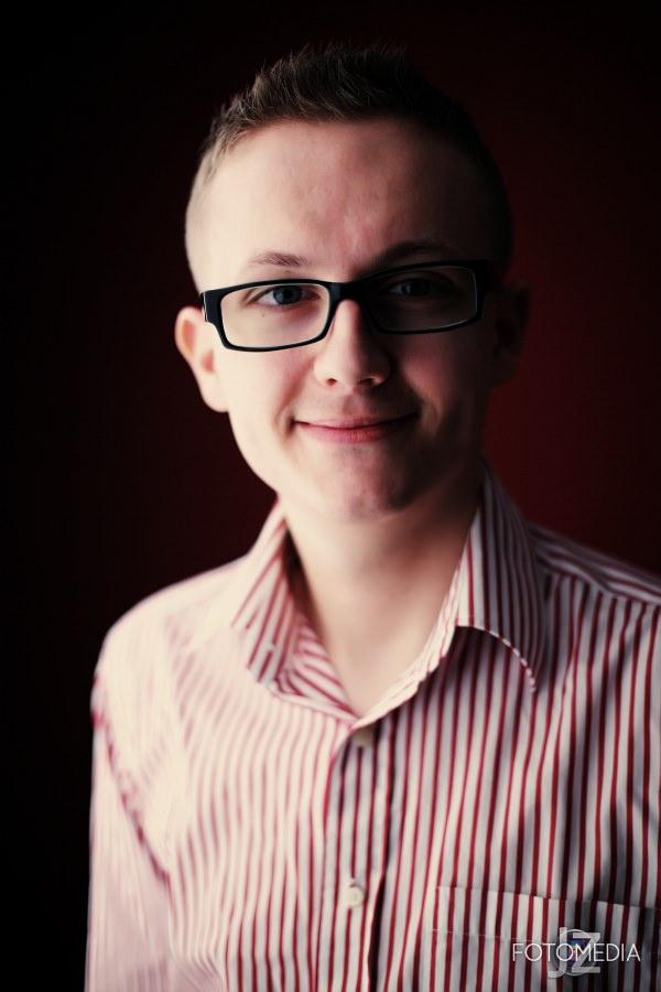 Grzegorz - portret studyjny 10