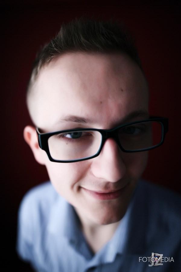 Grzegorz - portret studyjny 17