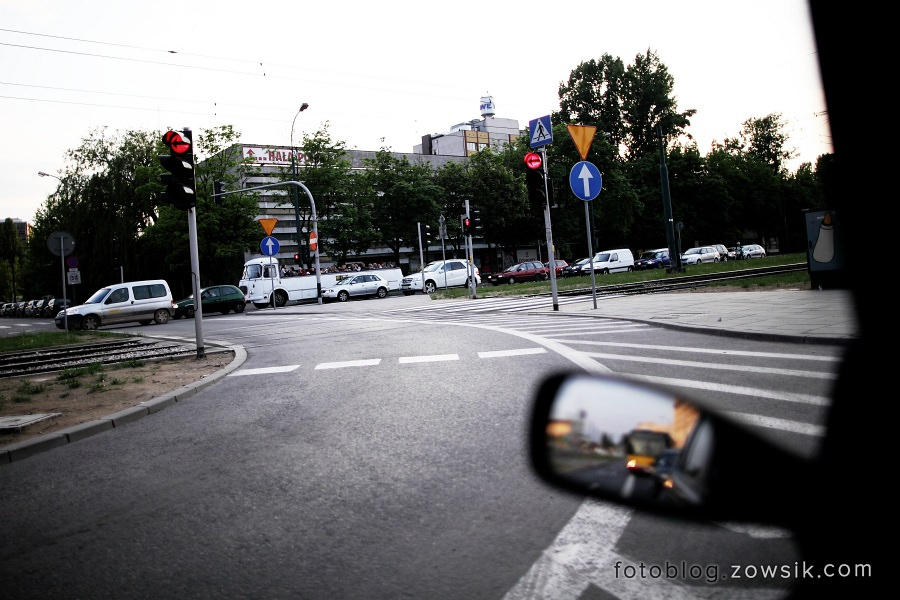 """Noc Muzeów 2011 Warszawa – Wystawa zabytkowego taboru (pl.Narutowicza). """"Ogórki"""" na ulicach Warszawy. 27"""