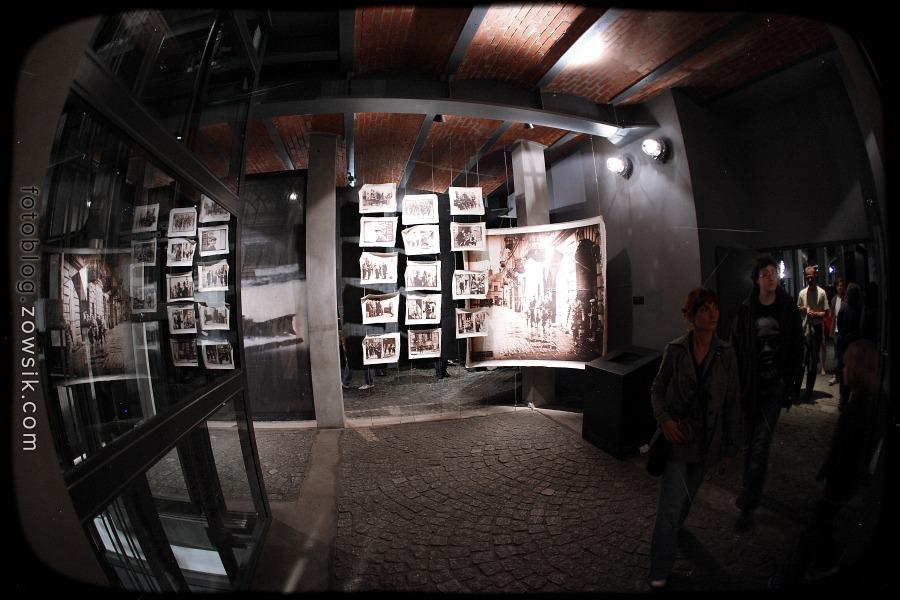 Noc Muzeów 2011 Warszawa – Muzeum Powstania Warszawskiego i Muzeum Marii Skłodowskiej-Curie 12