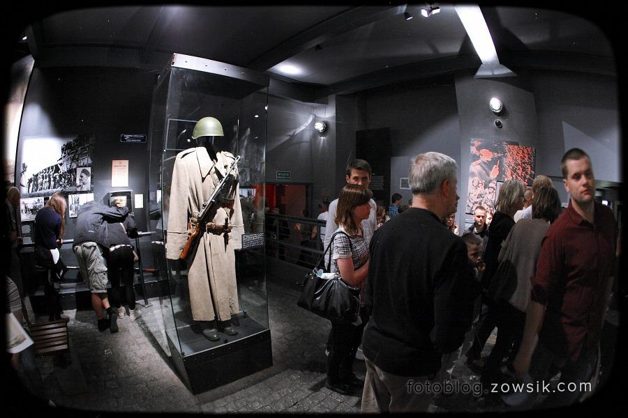 Noc Muzeów 2011 Warszawa – Muzeum Powstania Warszawskiego i Muzeum Marii Skłodowskiej-Curie 20