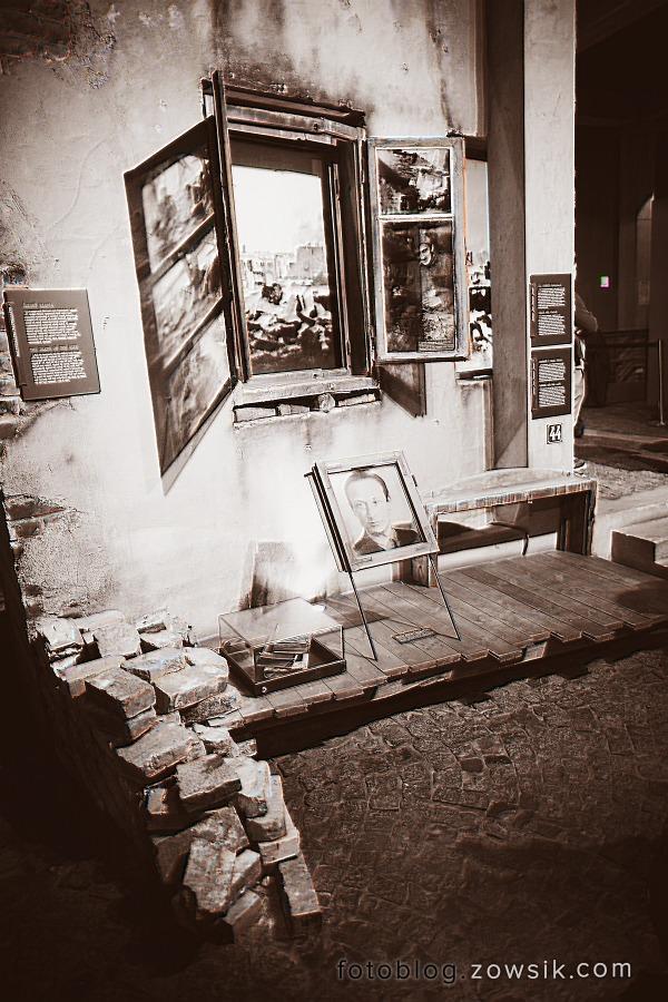 Noc Muzeów 2011 Warszawa – Muzeum Powstania Warszawskiego i Muzeum Marii Skłodowskiej-Curie 22