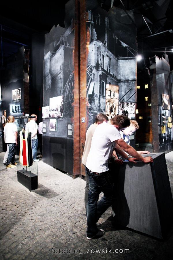 Noc Muzeów 2011 Warszawa – Muzeum Powstania Warszawskiego i Muzeum Marii Skłodowskiej-Curie 18
