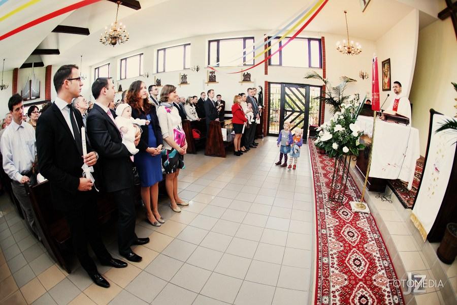 Chrzest Kuby (Kościół p.w. św. Grzegorza Wielkiego) zdjęcia. Fotograf na chrzest Warszawa. 8