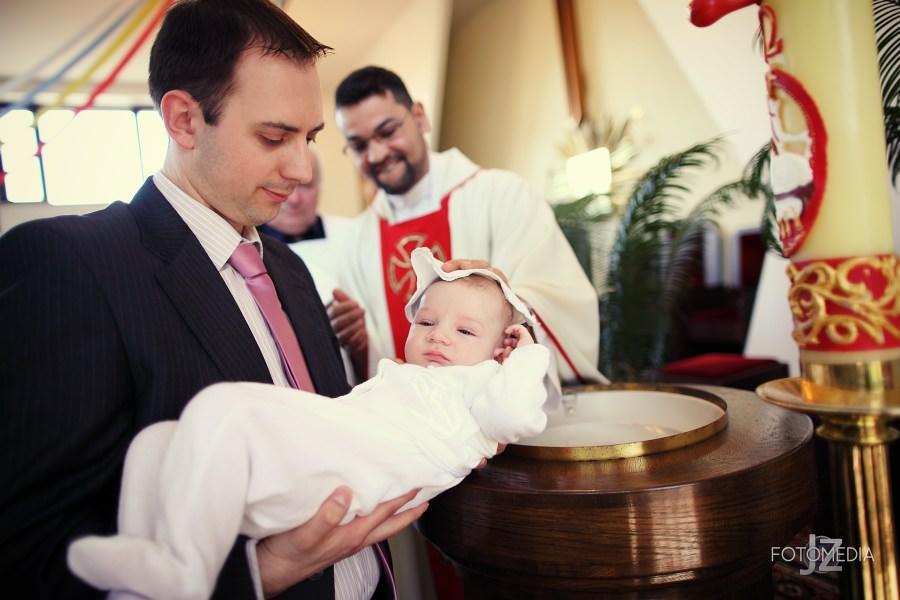 Chrzest Kuby (Kościół p.w. św. Grzegorza Wielkiego) zdjęcia. Fotograf na chrzest Warszawa. 22