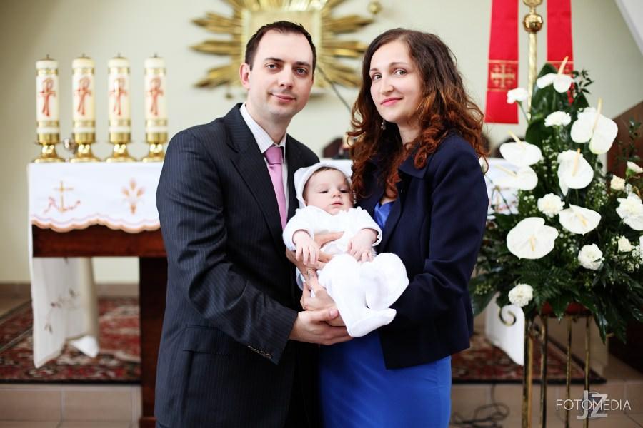 Chrzest Kuby (Kościół p.w. św. Grzegorza Wielkiego) zdjęcia. Fotograf na chrzest Warszawa. 34