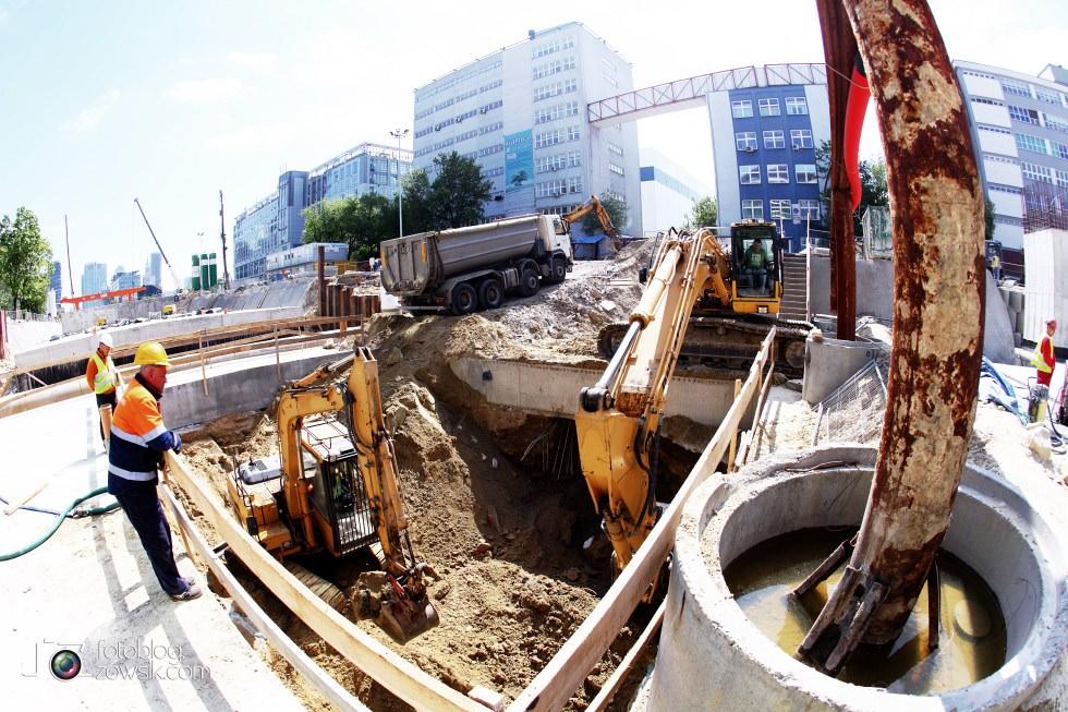 W budowie - stacja II linii metra - Rondo Daszyńskiego (C9) i tarcze TBM (Anna i Maria). 5