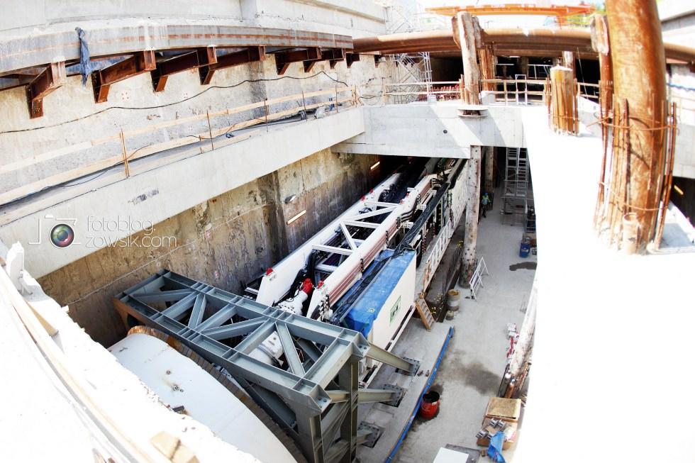 W budowie - stacja II linii metra - Rondo Daszyńskiego (C9) i tarcze TBM (Anna i Maria). 14