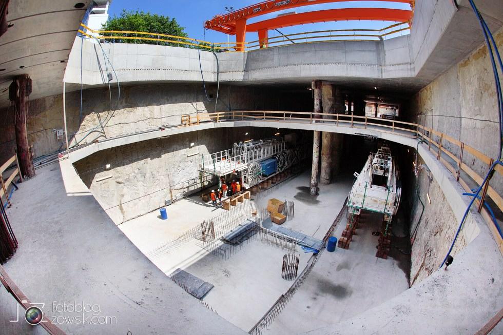 W budowie - stacja II linii metra - Rondo Daszyńskiego (C9) i tarcze TBM (Anna i Maria). 18