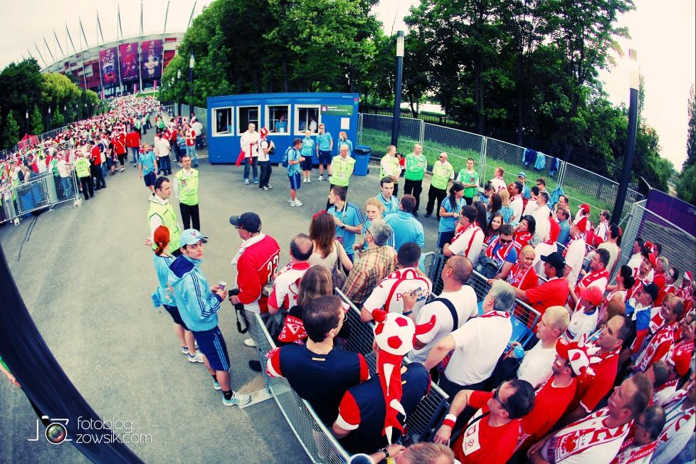 UEFA EURO 2012. Mecz Polska – Rosja. Reportaż od Stadionu do strefy kibica. Warszawa. 8