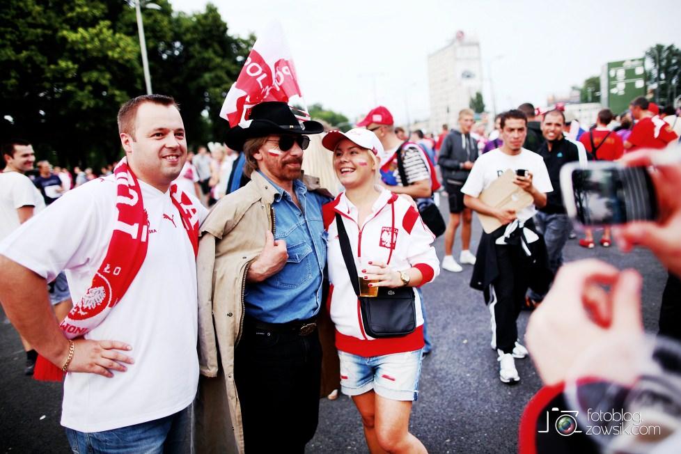 UEFA EURO 2012. Mecz Polska – Rosja. Reportaż od Stadionu do strefy kibica. Warszawa. 11
