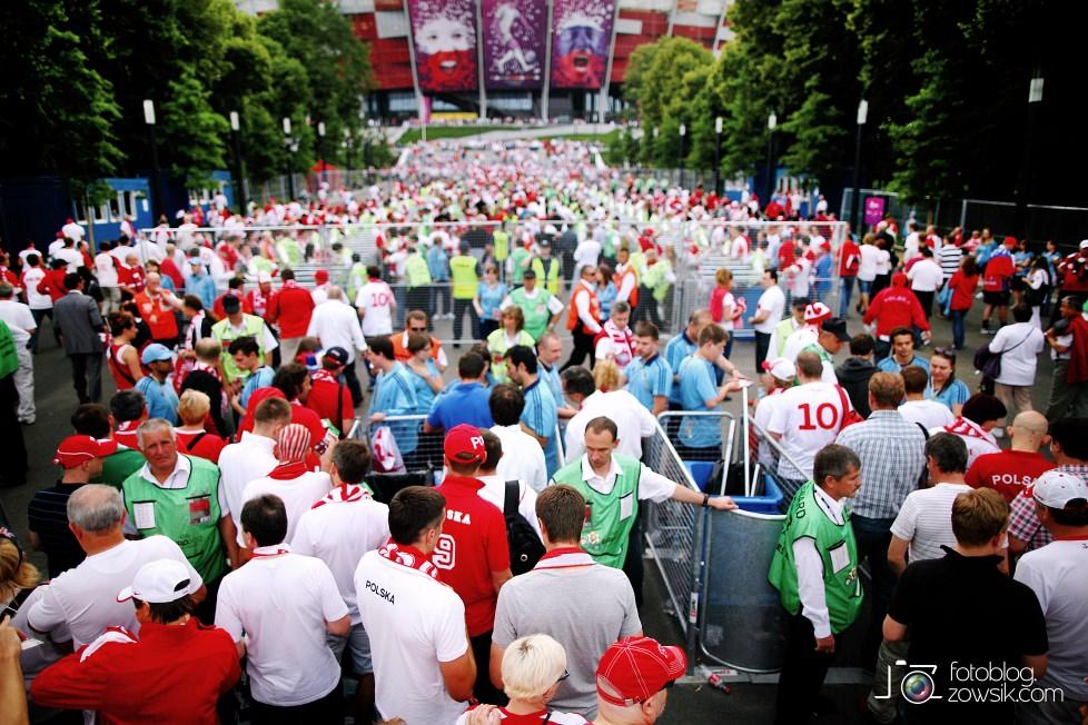 UEFA EURO 2012. Mecz Polska – Rosja. Reportaż od Stadionu do strefy kibica. Warszawa. 14