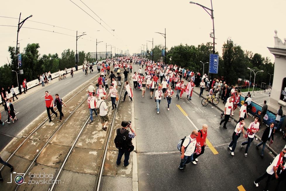UEFA EURO 2012. Mecz Polska – Rosja. Reportaż od Stadionu do strefy kibica. Warszawa. 23