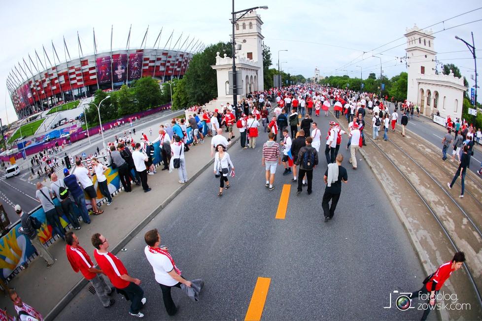 UEFA EURO 2012. Mecz Polska – Rosja. Reportaż od Stadionu do strefy kibica. Warszawa. 24