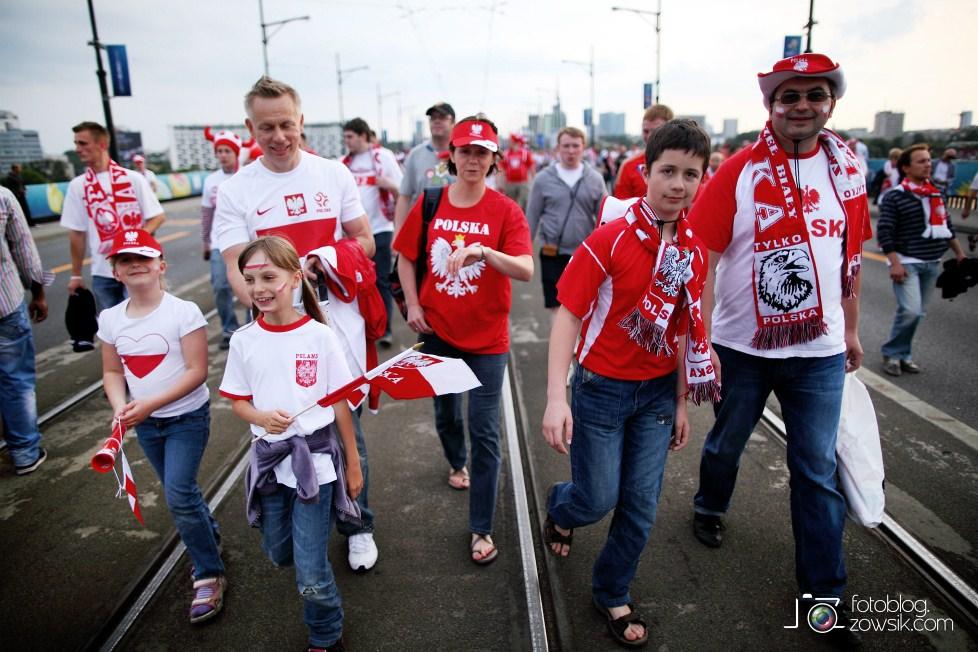 UEFA EURO 2012. Mecz Polska – Rosja. Reportaż od Stadionu do strefy kibica. Warszawa. 27