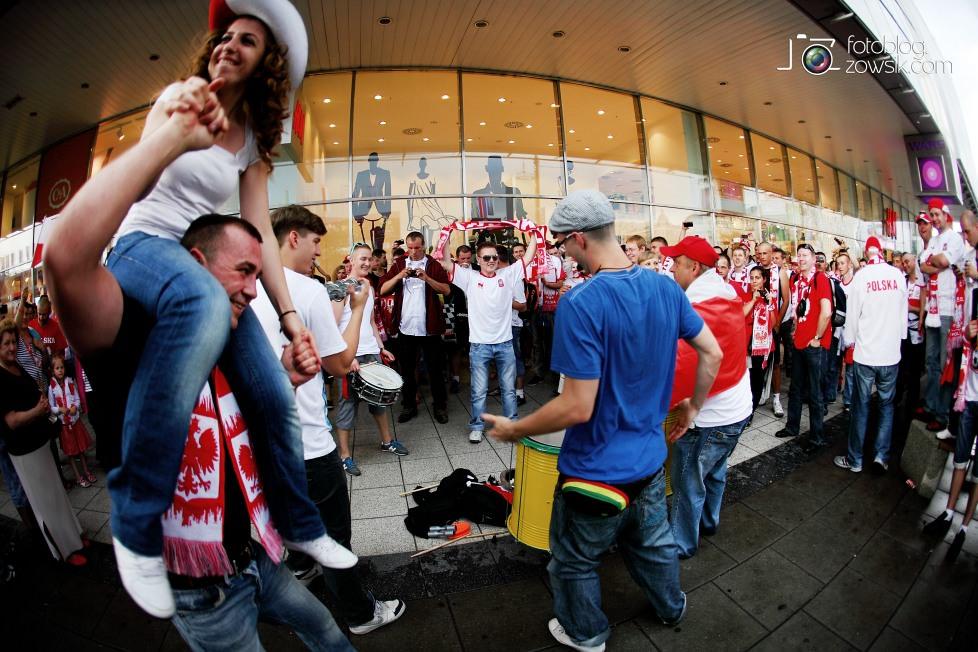 UEFA EURO 2012. Mecz Polska - Grecja. Reportaż ze strefy kibica w Warszawie. 12
