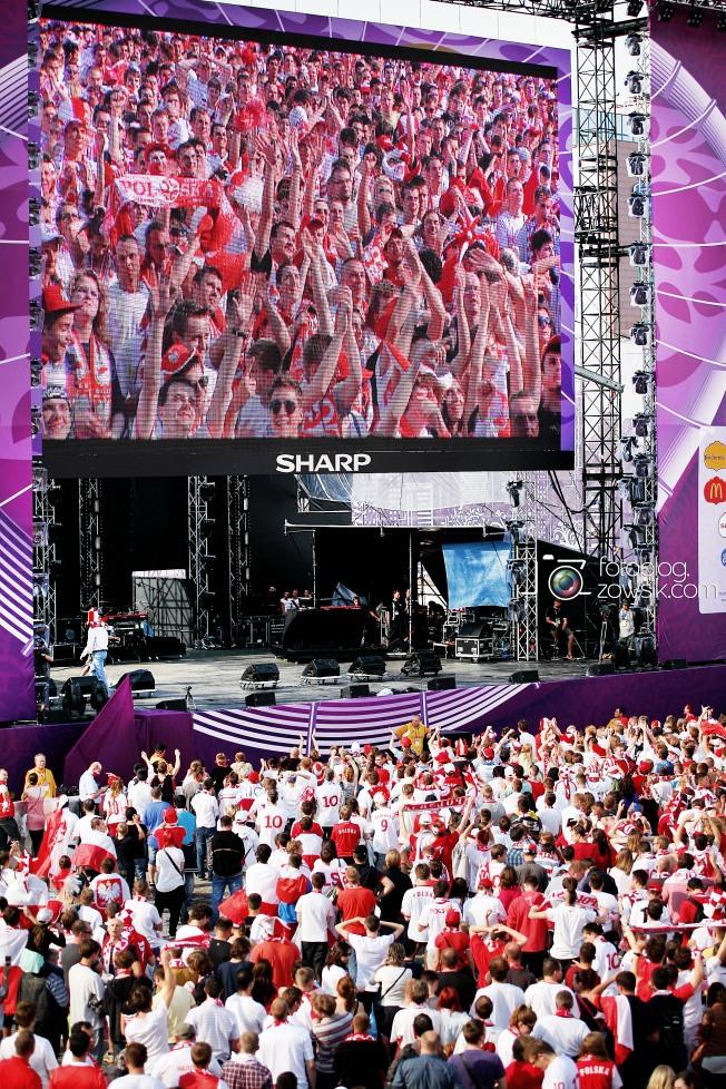 UEFA EURO 2012. Mecz Polska - Grecja. Reportaż ze strefy kibica w Warszawie. 33