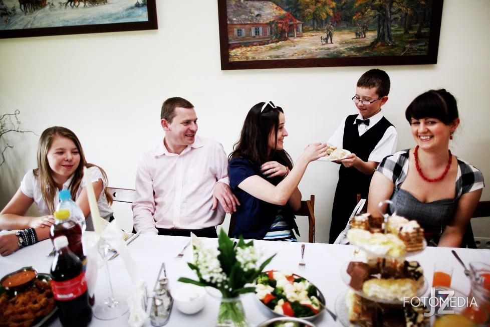 Zdjęcia komunia Warszawa. Kuba - reportaż z uroczystości. 39