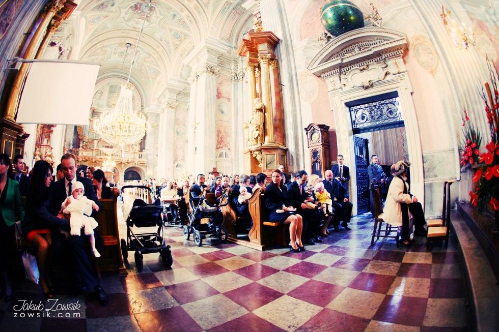 Chrzest Warszawa. Reportaż z uroczystość chrztu Tymoteusza. Kościół św. Anny (Krakowskie Przedmieście) 36