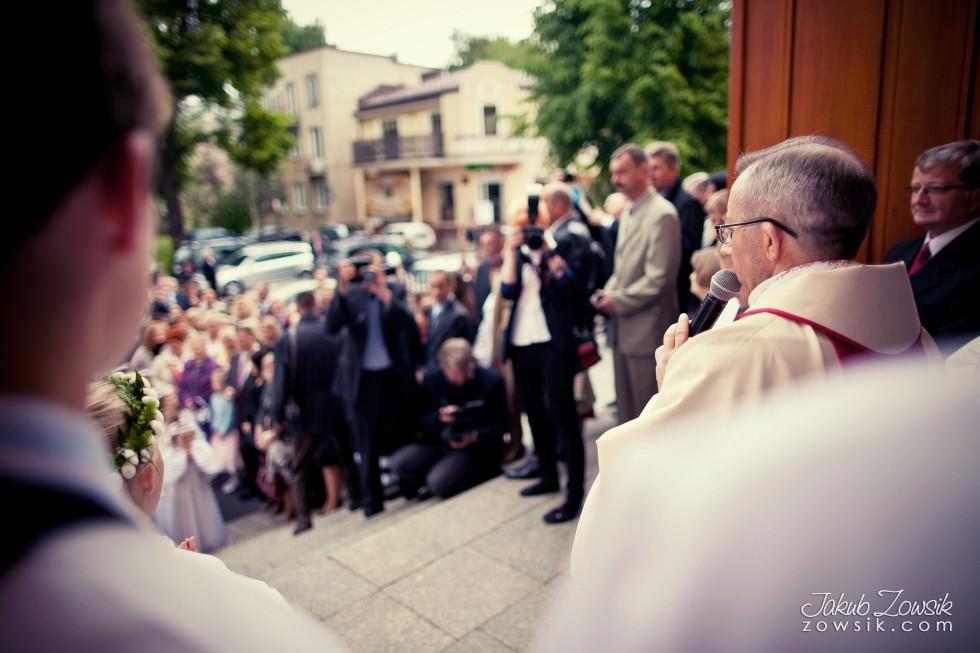Pierwsza Komunia Święta Olgi, uroczystość i zdjęcia plenerowe. Warszawa. 9
