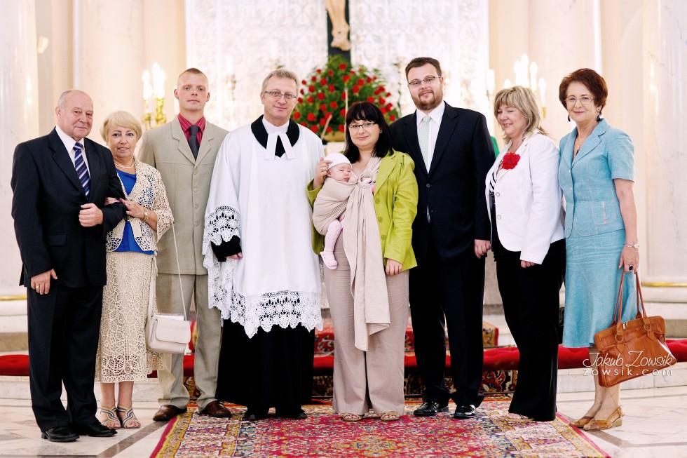 Chrzciny Warszawa. Reportaż z uroczystości chrztu Poli. Kościół Świętej Trójcy. 54