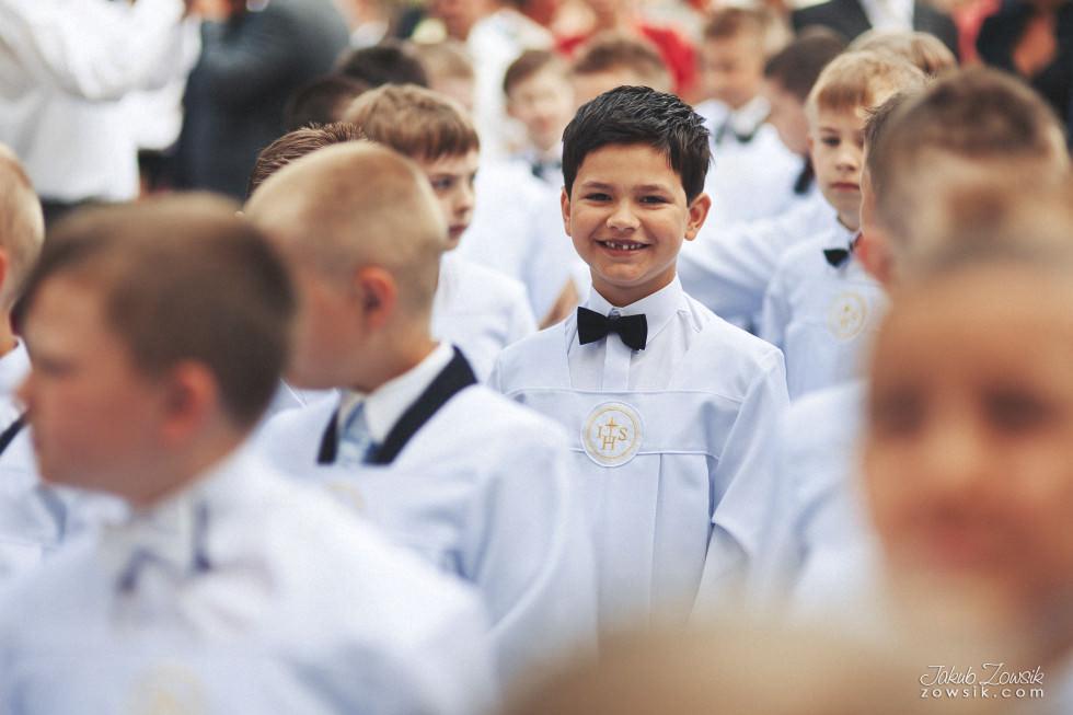 I komunia zdjęcia. Reportaż z uroczystości pierwszej komunii Michała. 4