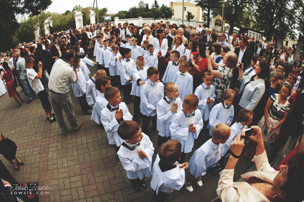 I komunia zdjęcia. Reportaż z uroczystości pierwszej komunii Michała. 5