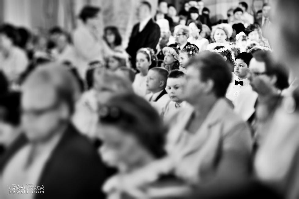 I komunia zdjęcia. Reportaż z uroczystości pierwszej komunii Michała. 13