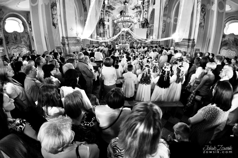 I komunia zdjęcia. Reportaż z uroczystości pierwszej komunii Michała. 15