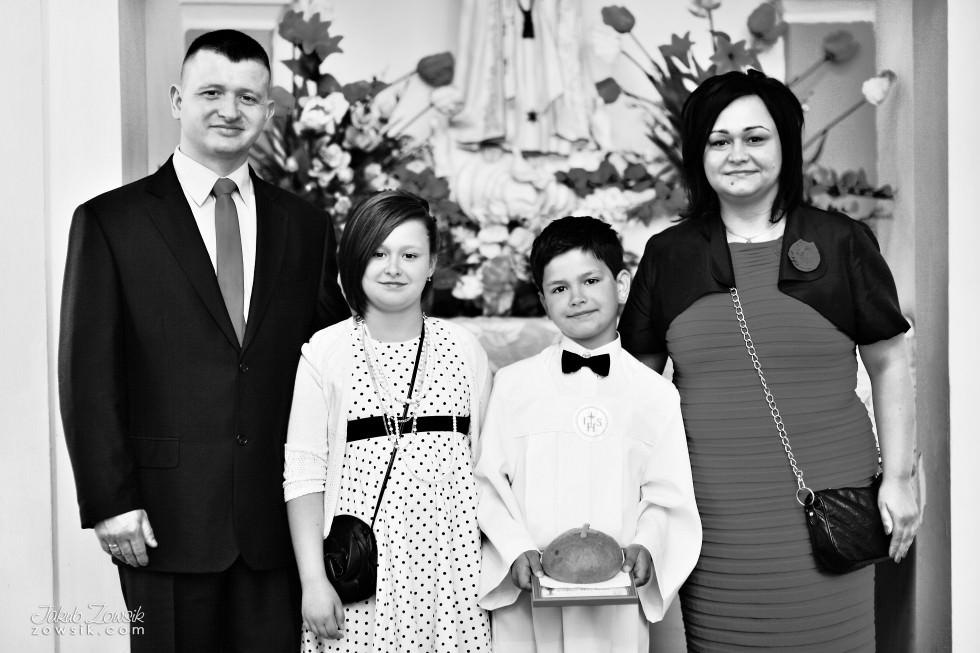 I komunia zdjęcia. Reportaż z uroczystości pierwszej komunii Michała. 31
