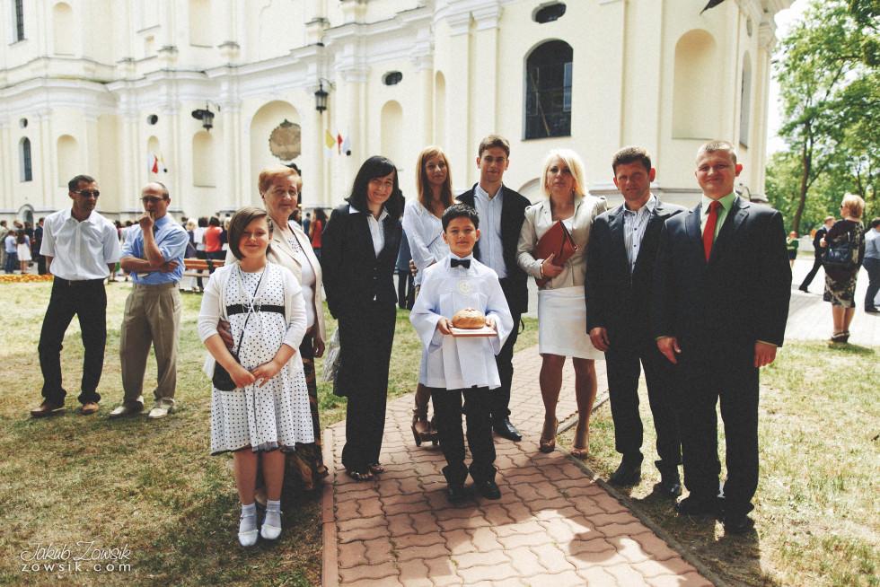 I komunia zdjęcia. Reportaż z uroczystości pierwszej komunii Michała. 34