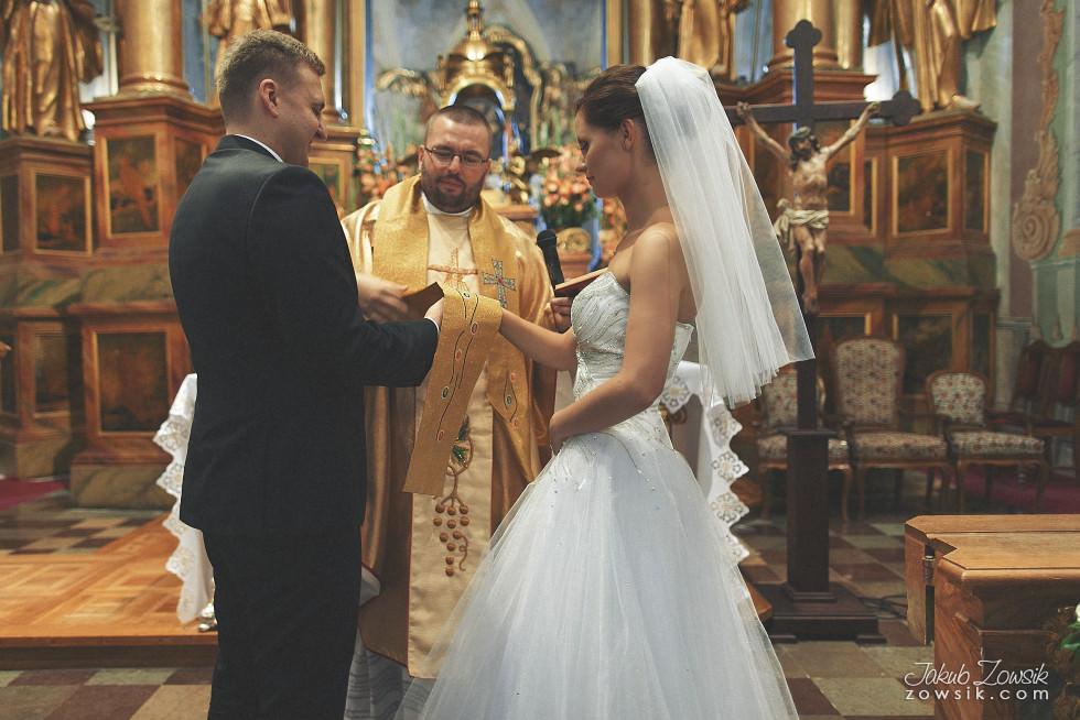 Zdjęcia ślubne Warszawa. Paulina & Mateusz – uroczystość zaślubin. 16