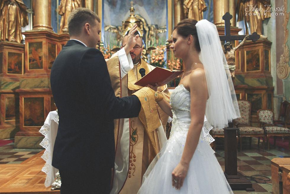 Zdjęcia ślubne Warszawa. Paulina & Mateusz – uroczystość zaślubin. 23