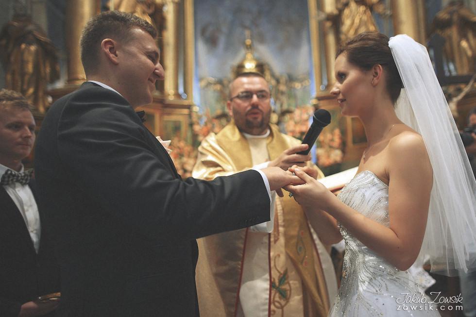 Zdjęcia ślubne Warszawa. Paulina & Mateusz – uroczystość zaślubin. 28