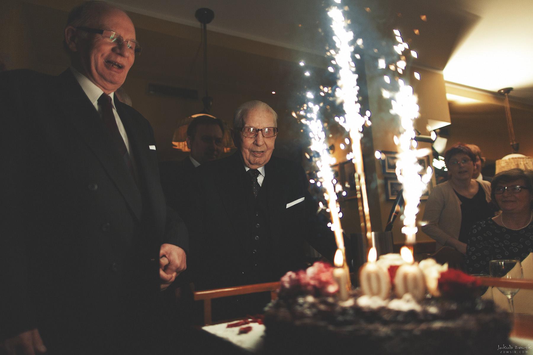 Sto lat! I dwustu lat!