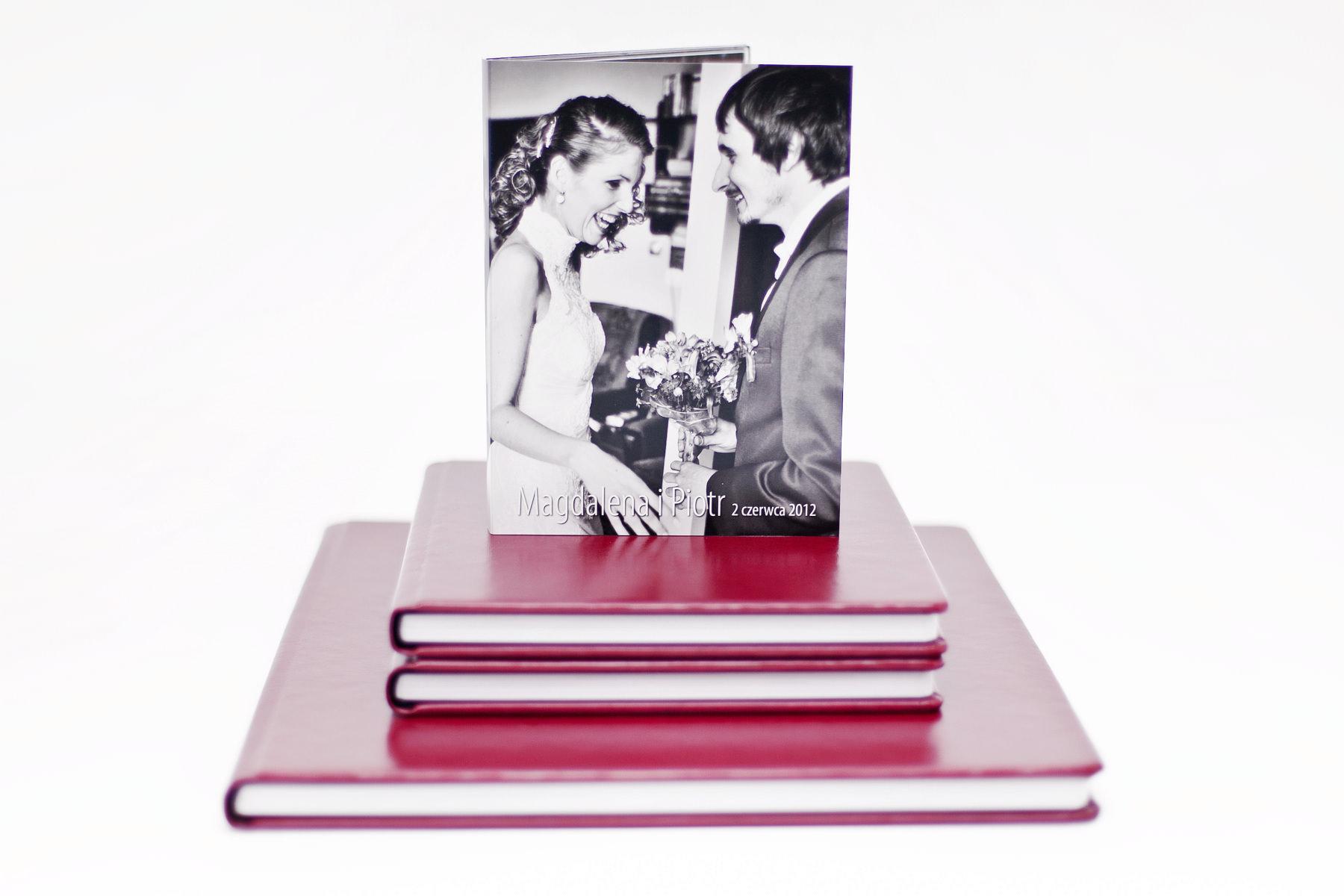 Ekskluzywny fotoalbum, pakiet 1+2 (30x30cm + 2x 20x20cm), etui na dvd, dvd nadruk. Magdalena i Piotr.