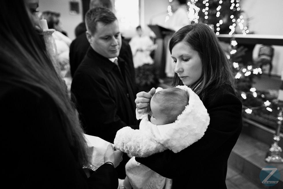 chrzest-Matyldy-fotografie-25.12-13.25.51-IMG_2156-6D1-24-BW-F
