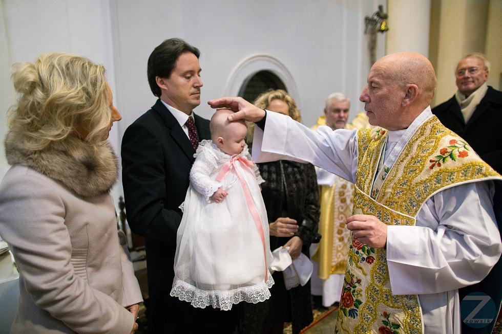 Elena-chrzest-12.36.54-IMG_3769-6D1-24