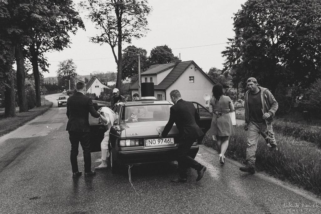 Magda & Sebastian | Zdjęcia ślubne Jedwabno | Reportaż 76