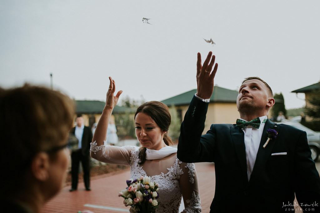 Magda & Sebastian | Zdjęcia ślubne Jedwabno | Reportaż 91