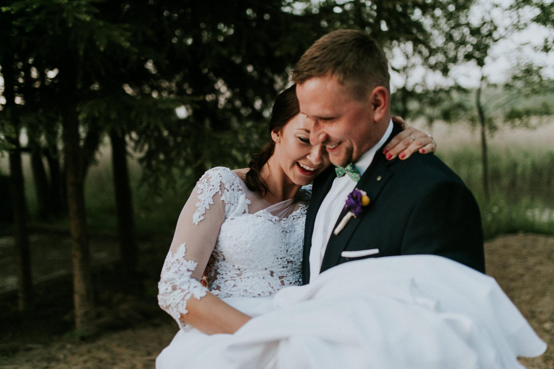 Magda & Sebastian | Zdjęcia ślubne Jedwabno | Reportaż