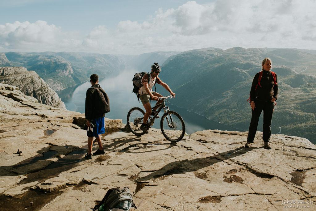 #12 Leisure Time In … Preikestolen | Norwegia 34