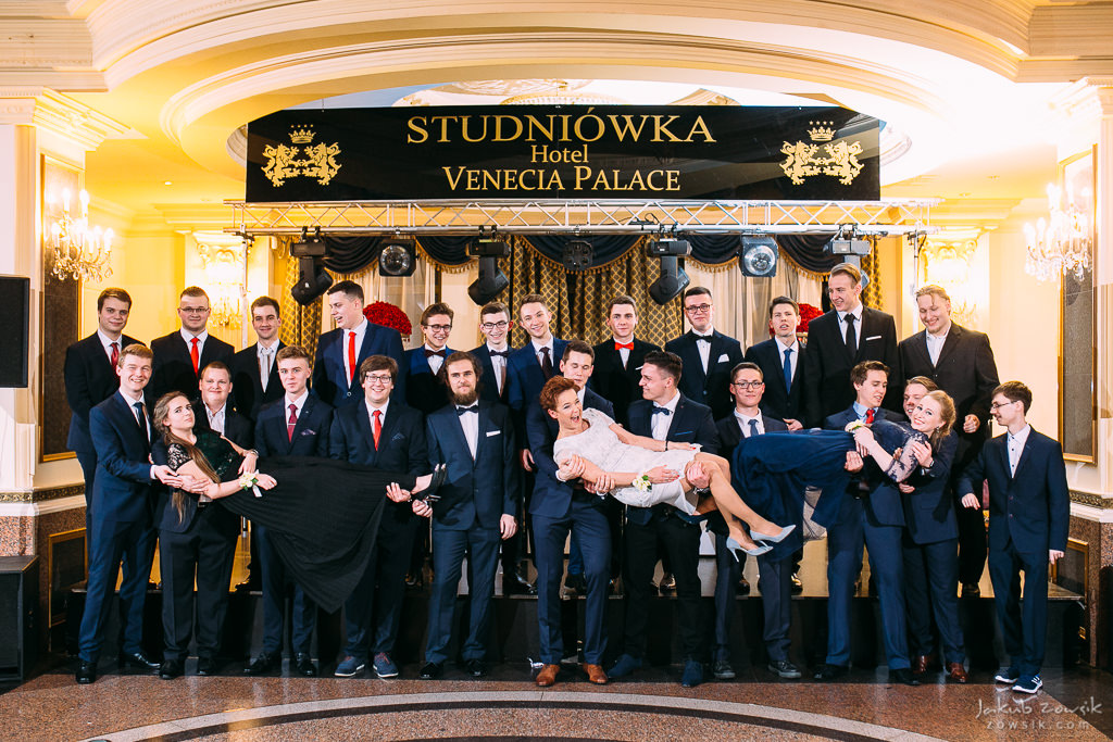 Studniówka Warszawa 2018 - LXXX LO im. Leopolda Staffa i Technikum Mechatroniczne nr 1 - pełen reportaż 66