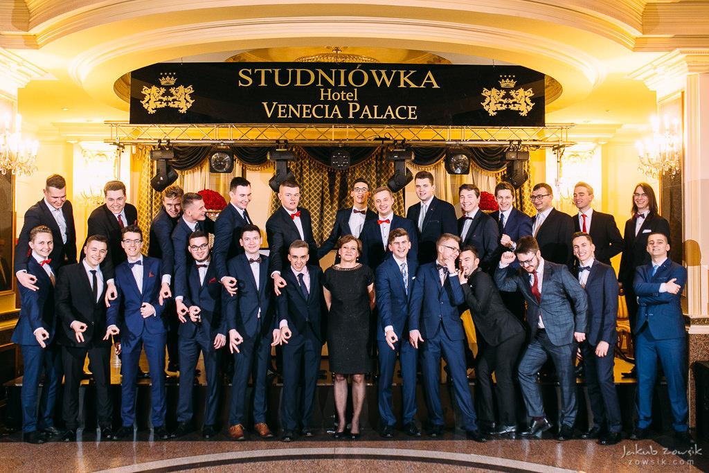 Studniówka Warszawa 2018 - LXXX LO im. Leopolda Staffa i Technikum Mechatroniczne nr 1 - pełen reportaż 72
