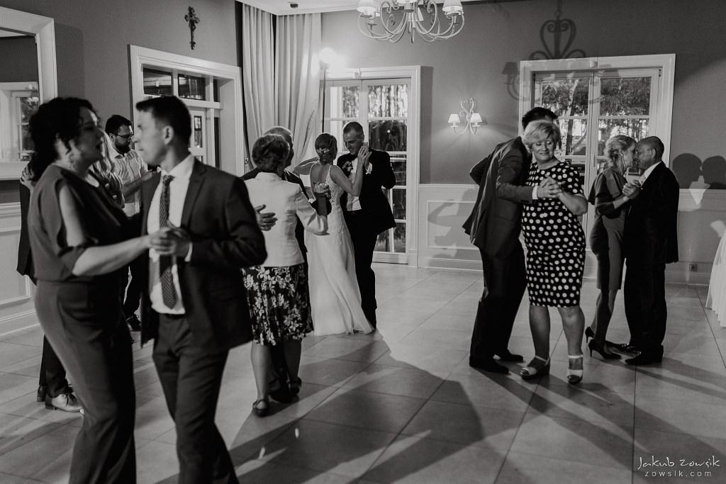 Julia & Paweł | Zdjęcia ślubne Dwór Złotopolska Dolina | Reportaż 100