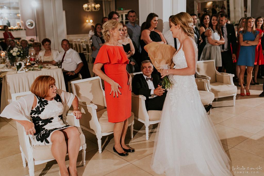 Julia & Paweł | Zdjęcia ślubne Dwór Złotopolska Dolina | Reportaż 137