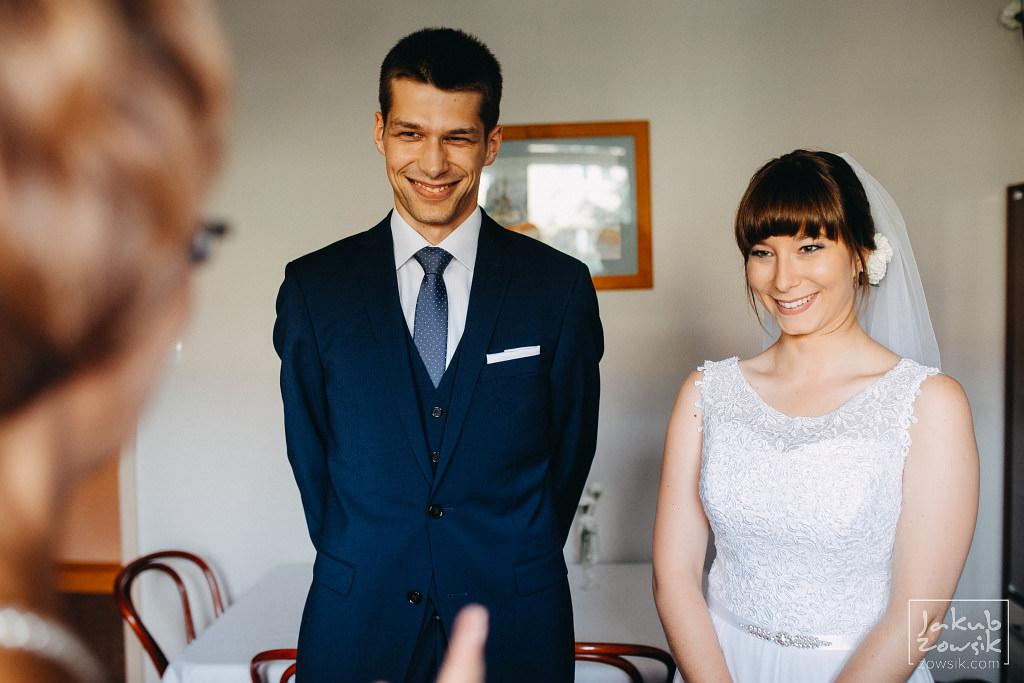 Asia & Rafał - Zdjęcia ślubne Bełchatów - Reportaż 35
