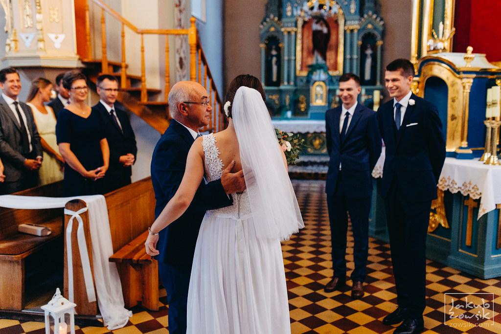 Asia & Rafał - Zdjęcia ślubne Bełchatów - Reportaż 43